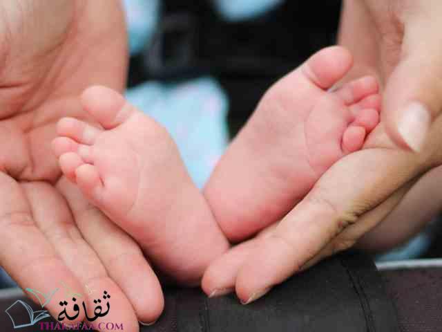 اهم مراحل النمو للطفل الرضيع في الشهر الاول-موقع ثقافة.كوم