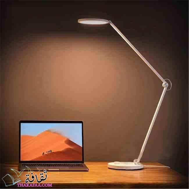 مصباح مكتبي-أفكار هدايا تخرج للبنات والشباب